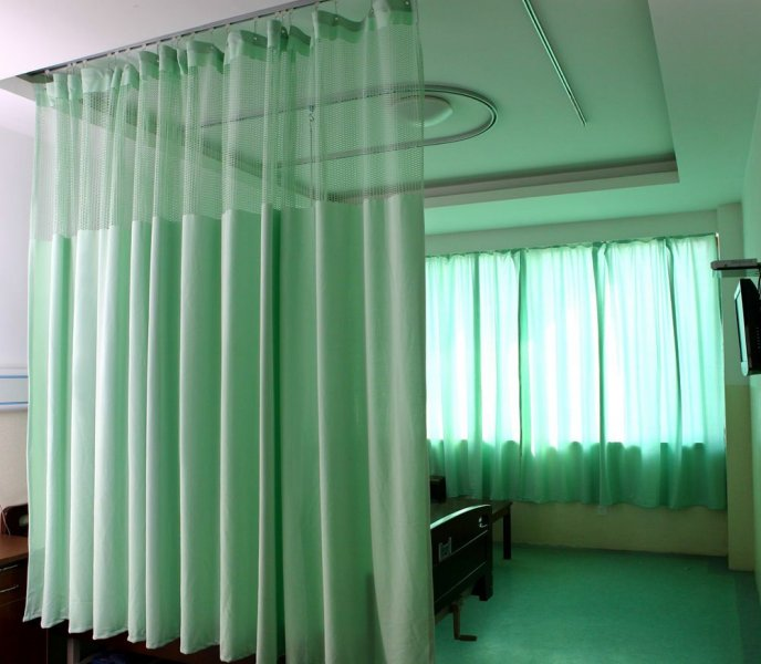 پرده بیمارستانی